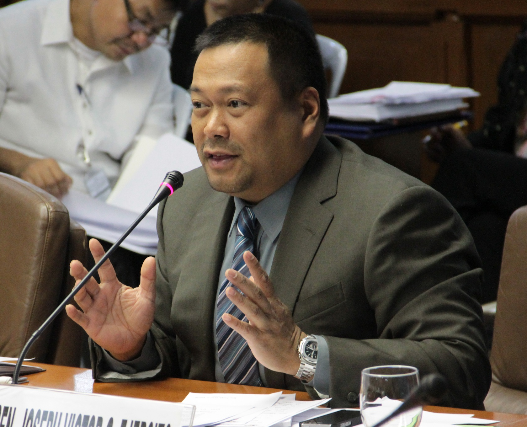 JV ASKS PNOY: APPOINT EXPERTS NOT ALLIES