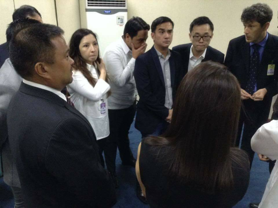 Sen.JV With the LTFRB Officials an UBER to Talk About the Latter's Suspension.