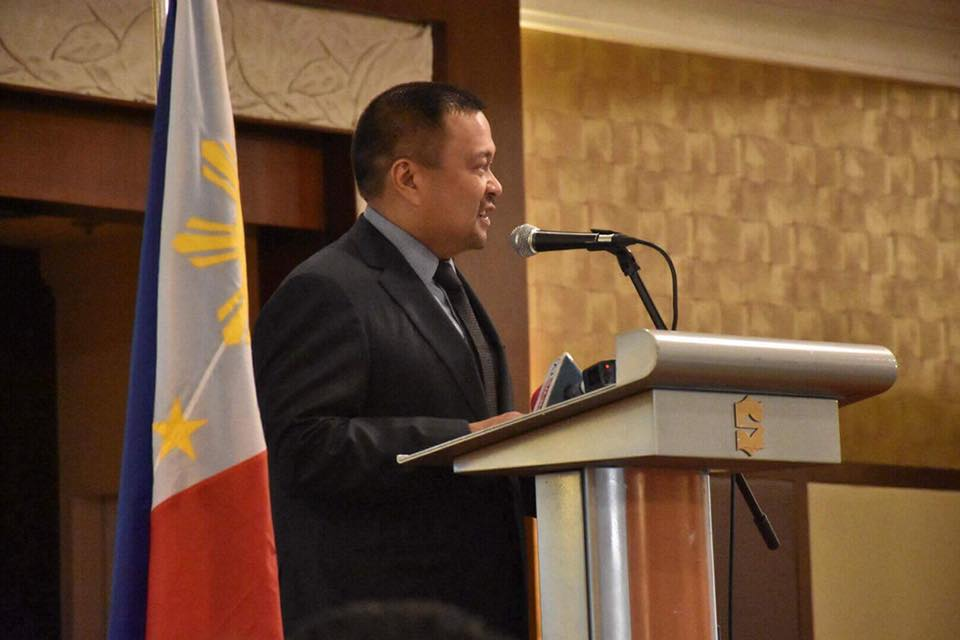 Sen. JV Ejercito, Vice Chair of the Senate Committee on Public Services at the Media and Road Safety Forum of Vera Files and World Health Organization.
