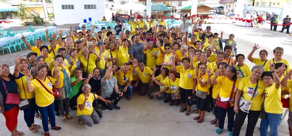 Senator JV Sharing with a Group of Farmers in Tiaong, Quezon.