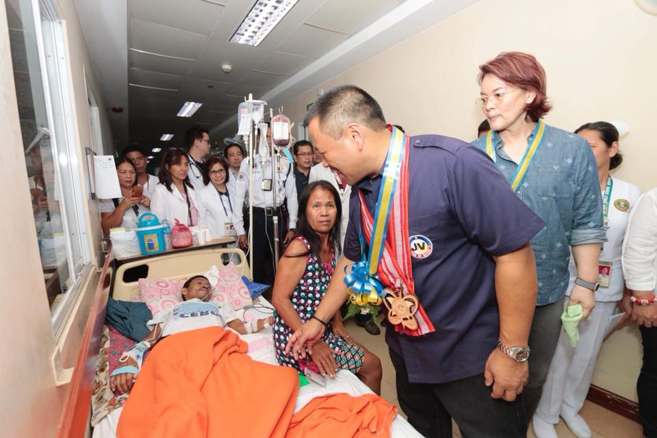 Senator JV Visited the Southern Isabela General Hospital