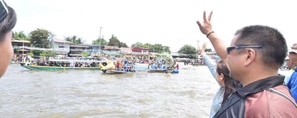 Sen. JV Ejercito Enjoying The Festivities at Bocaue Fluvial Parade at the Pagoda with Mayor Joni Villanueva-Tugna.