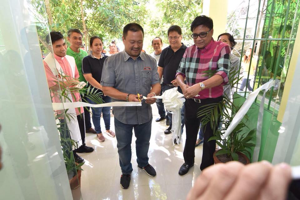 Sen. JV With Mayor Ramon Preza Who is Celebrating his birthday and Led the Ribbon Cutting of the Regional Health Unit.