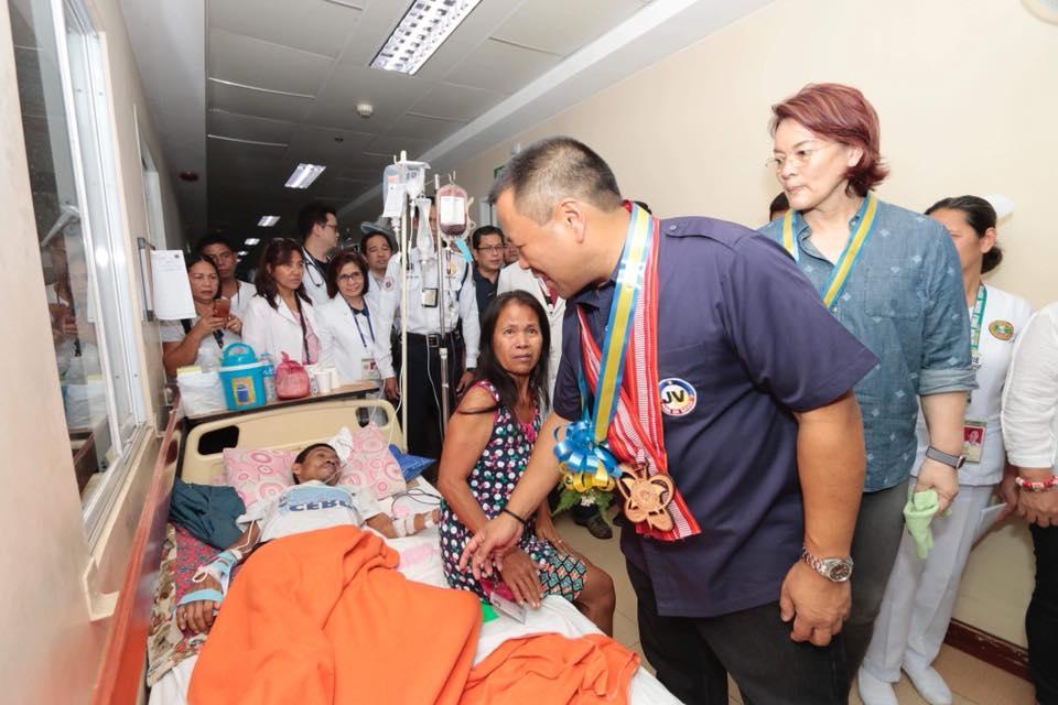 Senator JV Visited the Southern Isabela General Hospital